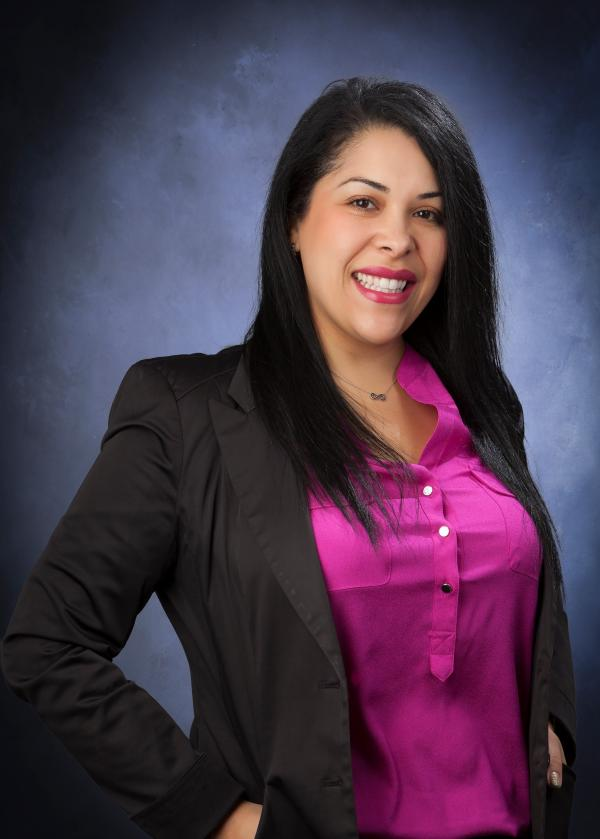 payroll-services-in-california-victoria-lopez
